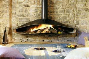 Металлические камины изысканной формы для интерьера вашего дома