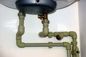 Способы подключения бойлера к воде и электричеству