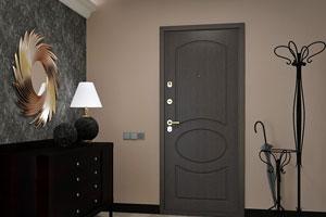 Дверь сохраняет тепло в доме